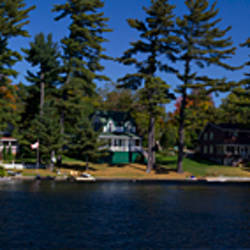 Cottages at the lakeside, Lake Muskoka, Ontario, Canada