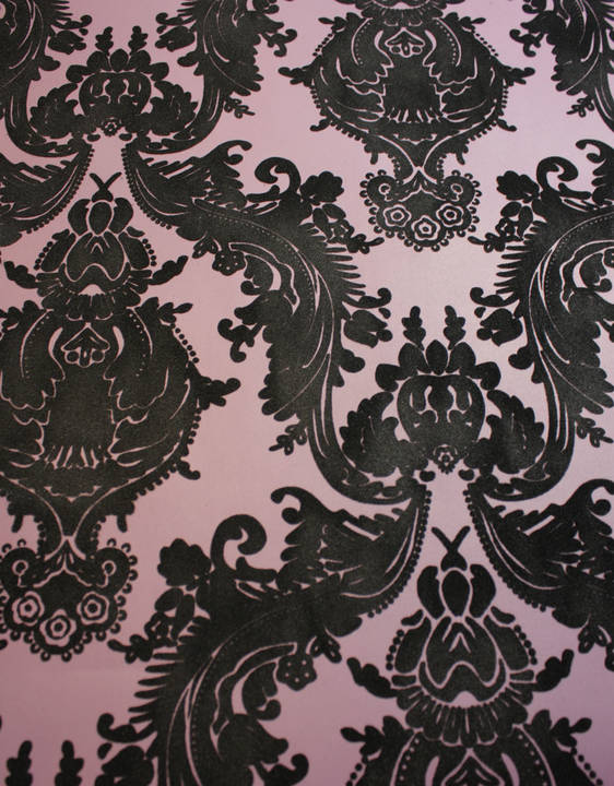 Plush Flocked Wallpaper Heirloom Damask Plum/Black Velvet