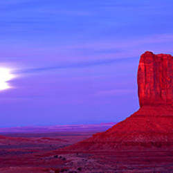 East Mitten and West Mitten buttes at sunset, Monument Valley, Utah, USA