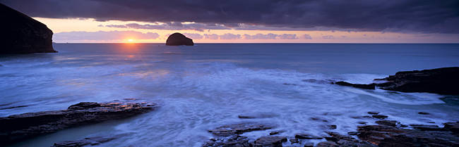 Rock formations at the coast, Gull Rock, Trebarwith Strand, Cornwall, England