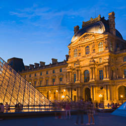 Pyramids in front of a museum, Louvre Pyramid, Musee Du Louvre, Paris, Ile-de-France, France
