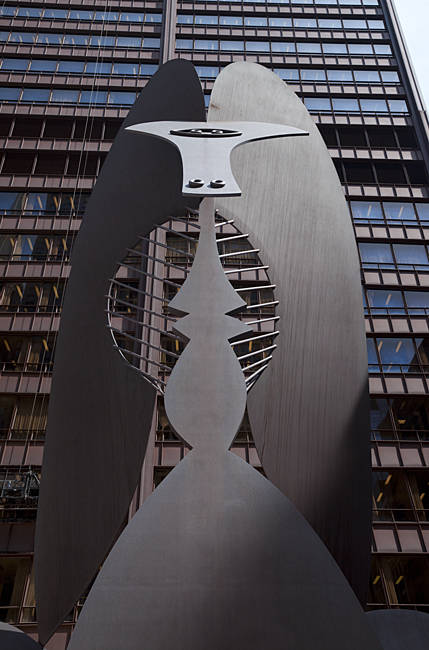 Picasso sculpture in front of a building, Richard J. Daley Center, Chicago, Cook County, Illinois, USA
