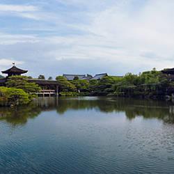 Shobikan and Taihei-Kaku at waterfront, Higashi Shinen, Heian Jingu Shrine, Kyoto Prefecture, Kinki Region, Honshu, Japan
