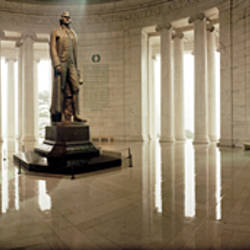Statue of Thomas Jefferson in a memorial, Jefferson Memorial, Washington DC, USA