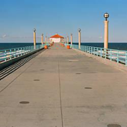 Hut on a pier, Manhattan Beach Pier, Manhattan Beach, Los Angeles County, California, USA