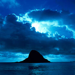 Island in the sea, Chinaman's Hat (Mokolii), Oahu, Hawaii, USA