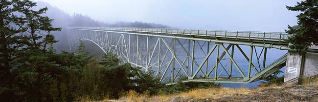 Bridge across the river, Deception Pass Bridge, Deception Pass, Whidbey Island and Fidalgo Island, Washington State, USA