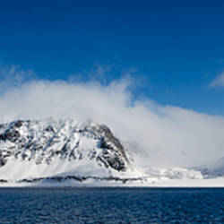 Snow covered mountains, Magdalene Fjord, Spitsbergen, Svalbard Islands, Norway