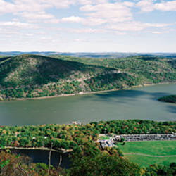 Bridge across a river, Bear Mountain Bridge, Hudson River, New York State, USA