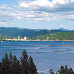 Lake surrounded by mountains, Lake Coeur d'Alene, Idaho, USA
