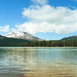 Lake in front of mountains, South Sister, Broken Top, Oregon, USA