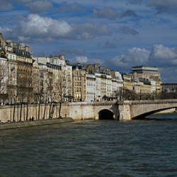 Bridge across a river, near Notre Dame, Pont De La Tournelle, Seine River, Paris, Ile-De-France, France