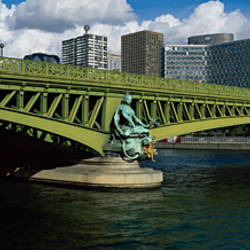 Bridge across a river, Pont Mirabeau, Seine River, Beaugrenelle, Paris, Ile-De-France, France