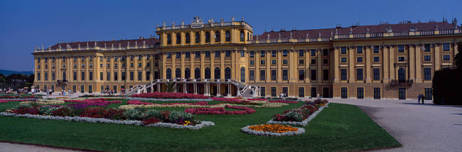 Formal garden in front of a palace, Schonbrunn Palace Garden, Schonbrunn Palace, Vienna, Austria