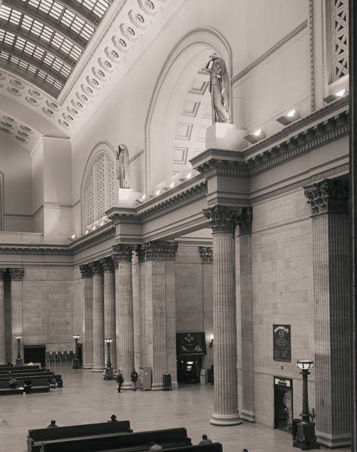 Interiors of a railway station, Union Station, Chicago, Cook County, Illinois, USA