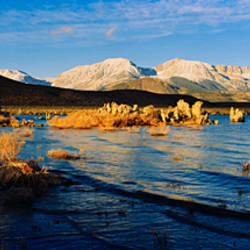 Lake with mountains in the background, Mono Lake, Eastern Sierra, Californian Sierra Nevada, California, USA