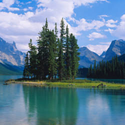 Lake surrounded by mountains, Banff National Park, Alberta, Canada