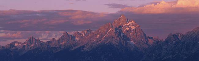 USA, Wyoming, Grand Teton National Park, Sunlight over the mountain range