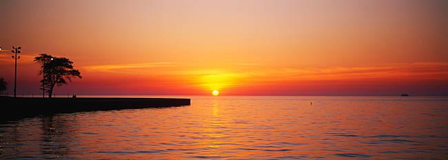 Sunrise over a lake, Lake Michigan, Chicago, Illinois, USA