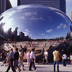 USA, Illinois, Chicago, Millennium Park, SBC Plaza, Tourists walking in the park