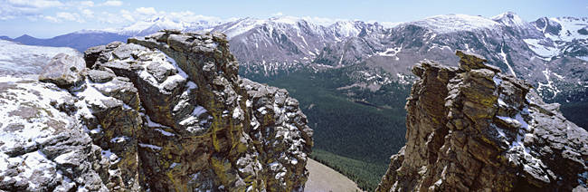 USA, Colorado, Rocky Mountain National Park, Panoramic view of snowcapped mountain range