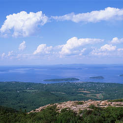 USA, Maine, Acadia National Park, Frenchman Bay, Cadillac Mountain, Bar Harbor, High angle view of national park and harbor
