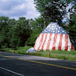USA, New York, Adirondack State Park, Adirondack Mountains, St. Lawrence County, American flag painted on a rock