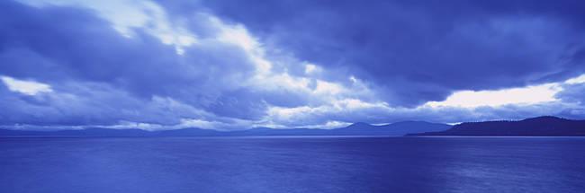 USA, California, Lake Tahoe, Storm cloud over a lake