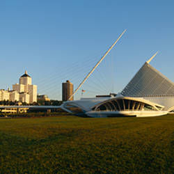 Museum in a city, Milwaukee Art Museum, Lake Michigan, Milwaukee, Wisconsin, USA