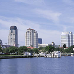 USA, Florida, St. Petersburg, View of waterfront and cityscape