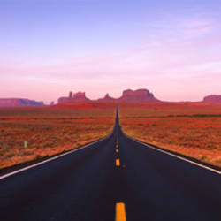 Road Monument Valley, Utah, USA