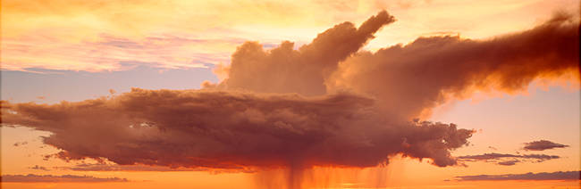 USA, Arizona, Grand Canyon, storm clouds