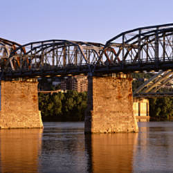 USA, Kentucky, Covington, Ohio River, L & N Bridge, Bridge over the river