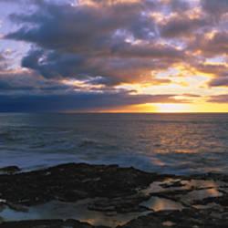 Sunset over the ocean, Makaha Beach Park, Oahu, Hawaii, USA