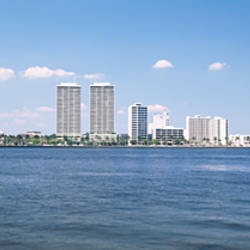 USA, Florida, West Palm Beach, Panoramic view of the waterfront and skyline