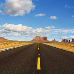 Road, Monument Valley, Arizona, USA