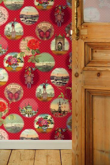 Red Remember Brighton Mural 341096